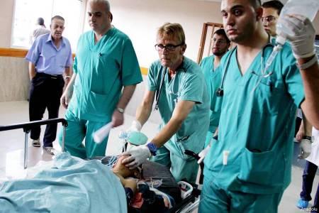 mads-gilbert-at-al-shifa-hospital